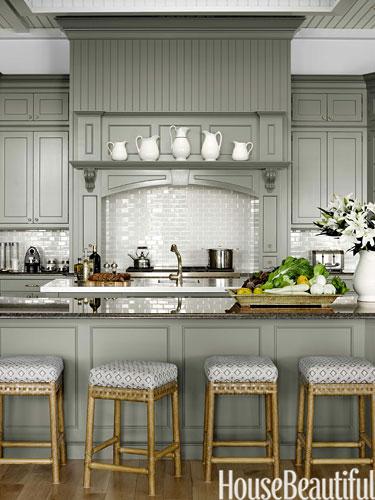 05-hbx-gray-kitchen-cabinets-watson-1113-lgn