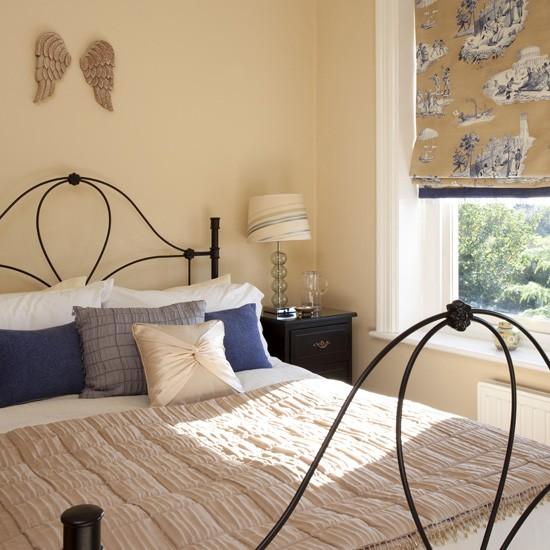 French-style-cream-bedroom